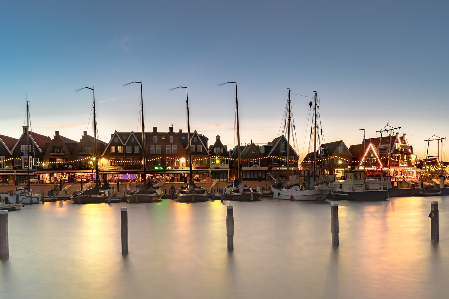 Fotolocatie volendam by night
